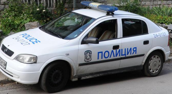 Полицията издирва мъж, ограбил таксиметров шофьор в Габрово. Това съобщиха