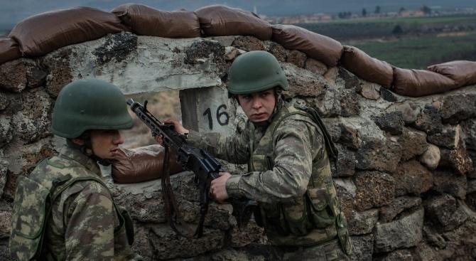 Турция смята да намали задължителната военна служба наполовина, написа местният