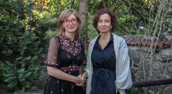 Вицепремиерът и министър на външните работи Екатерина Захариева и генералният