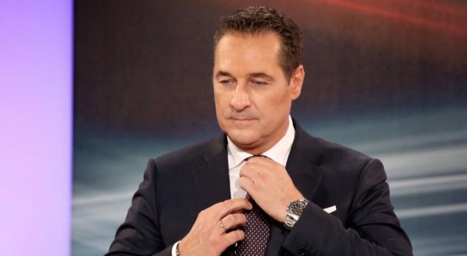 Австрийският крайнодесен политик Хайнц-Кристиан Щрахе подаде жалби срещу виенски адвокат,