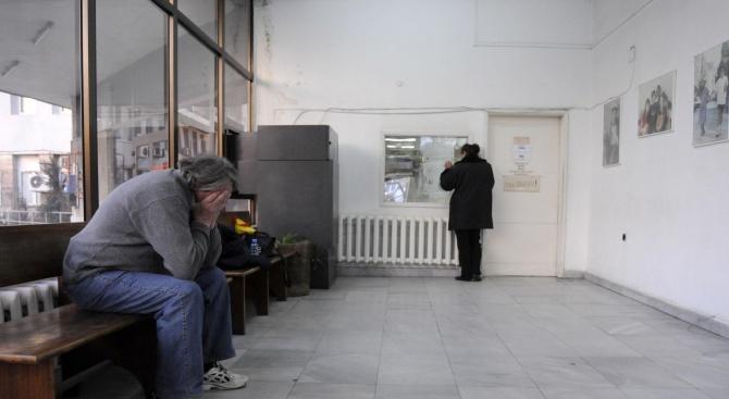 Момче, пострадало при токов удар в Македония, ще се лекува
