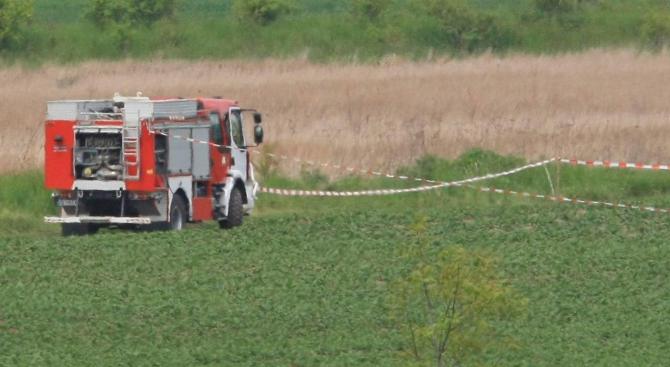 Двама души загинаха при самолетна катастрофа с малък двуместен самолет