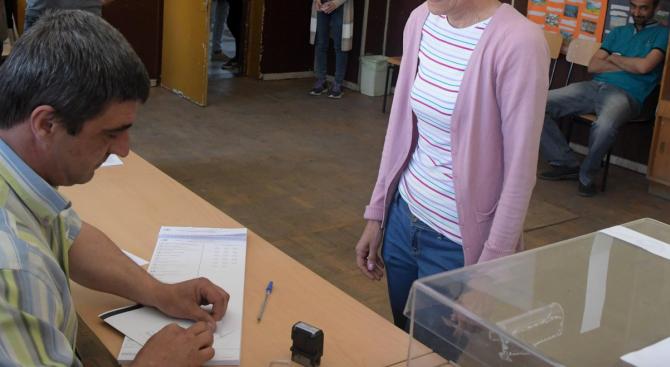 """""""Все още не е обявен краят на изборния ден, защото"""