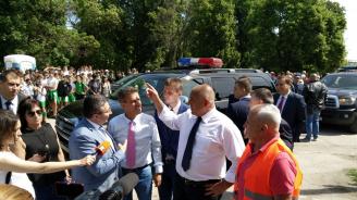 Премиерът инспектира изграждането на обходния път на Пазарджик