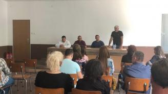 Младен Шишков пред учители в Белозем: С повишението на учителските заплати тази професия става все по-привлекателна за младите хора