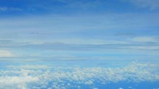 Променлива облачност, на места ще превали