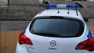 16-годишни младежи пребиха мъж в Петърч