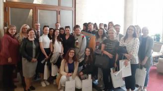 ЦИК се срещна с ученици от 51-во СУ