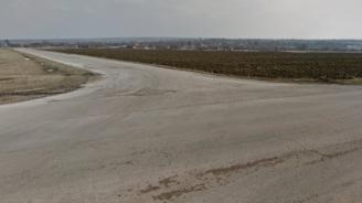 Опасен път пука гуми между Разград и Завет