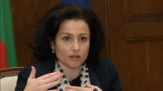 Министър Танева: Напълно пропаднали след градушките в Северна България са 72 000 декара