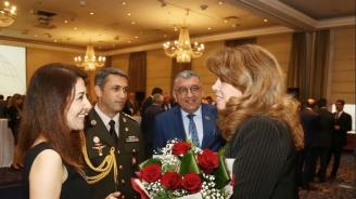 Илияна Йотова поздрави Азербайджан за Деня на републиката