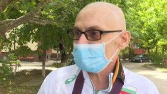 Охранителят, който счупи ръката на онкоболен, не се чувства виновен