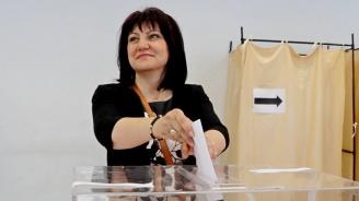 Цвета Караянчева: Гласувах за обединена и силна Европа