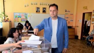 Кметът на Велико Търново: Гласувах за още една крачка към доброто бъдеще на нашите деца