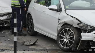 Абитуриенти катастрофираха на Аспаруховия мост във Варна