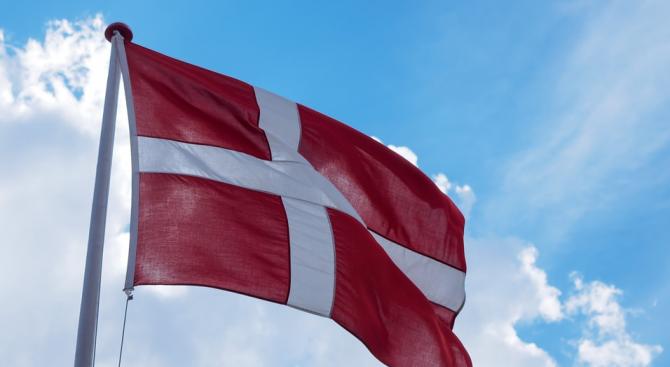 Евроскептичната и антиимигрантска Датска народна партия губи половината от избирателите си