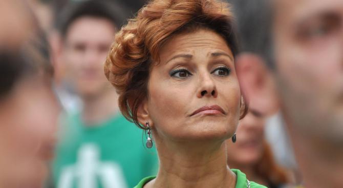 Певицата и готвачка Камелия Воче бе изправена пред съда заради