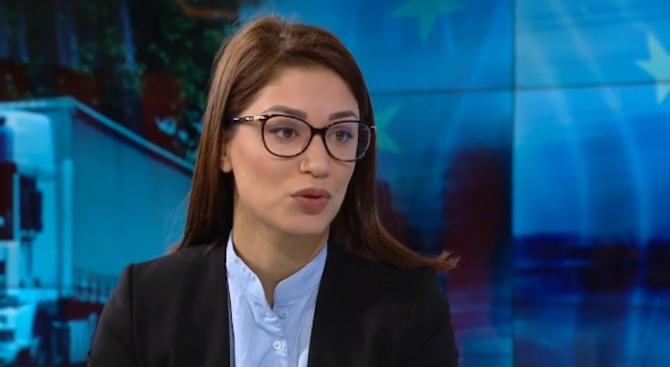 """Евелина Славкова от Изследователски център """"Тренд"""" коментира пред izbori.bg оставката"""