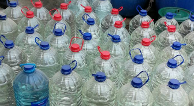 Спипаха 400 литра алкохол без акциз при спецоперация в село Горни Дъбник