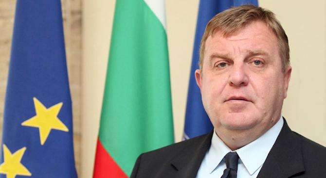 Министърът на отбраната Красимир Каракачанов ще присъства на извънредното събитие