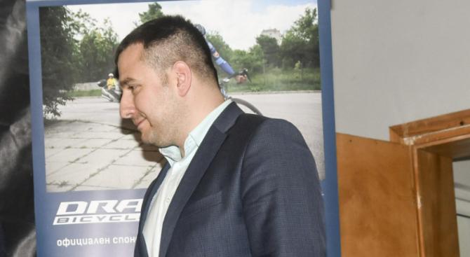 Кметът на Божурище Георги Димов остава в ареста, реши спецсъдът.
