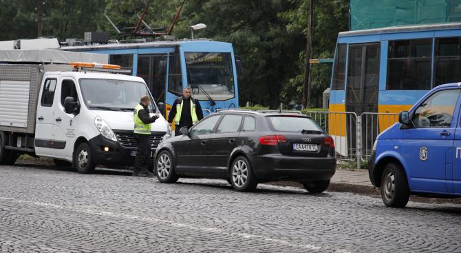 Кола блъсна и уби 15-годишно момче в София