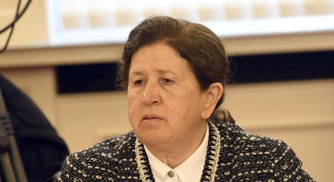 Необходима е постоянна изборна администрация, каза пред БНР председателят на