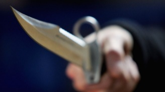 Мъж е с опасност за живота, след като беше наръган с нож при сбиване