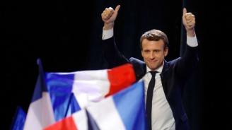 Еманюел Макрон и Педро Санчес обсъдиха в Париж резултатите от европейските избори