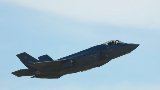 САЩ може да прекратят обучениетона турски пилоти на изтребители зарадиоръжейна сделка на Анкара с Русия