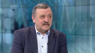 Проф. Кантарджиев: Не са достатъчни мерките за пръскане срещу кърлежи