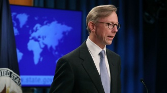 САЩ ще отговорят с военна ила, ако интересите им бъдат атакувани от Иран, заяви американски представител
