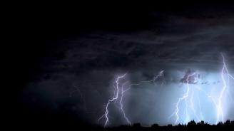 Бурите и дъждовете се насочват към Източна България
