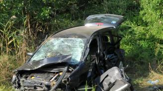 Черен петък - шофьор загина на място след жесток удар в крайпътно дърво