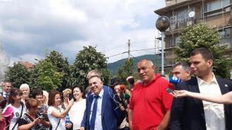 Борисов в Сливен: Обмисляме да направим  безплатна храна за детските градини