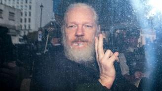 САЩ няма да обвинява основателя на Уикилийкс