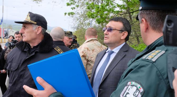 Младен Маринов: Очакват се още обилни валежи, но ние сме в готовност