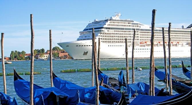 Искат да спрат достъпа на лайнери до каналите на Венеция