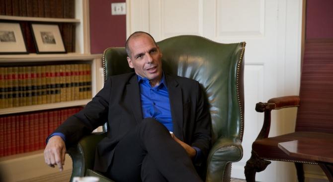 Янис Варуфакис: Непостоянството взе главата на Алексис Ципрас