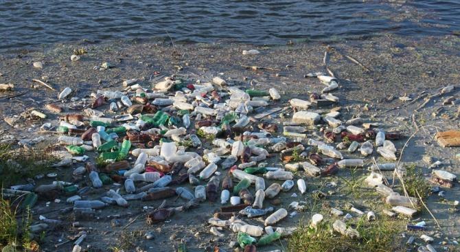 4,2 тона пластмаса ежедневно стигат до Черно море по Дунав