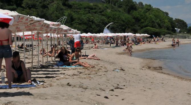 """f35925925a6 14 БГ плажа и яхтена марина посрещат туристите със """"Син флаг ..."""