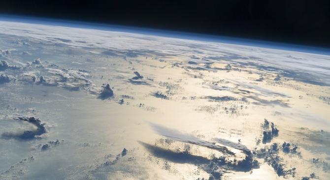 Товарният кораб Дракон се приводни в Тихия океан след 17 мисия до МКС