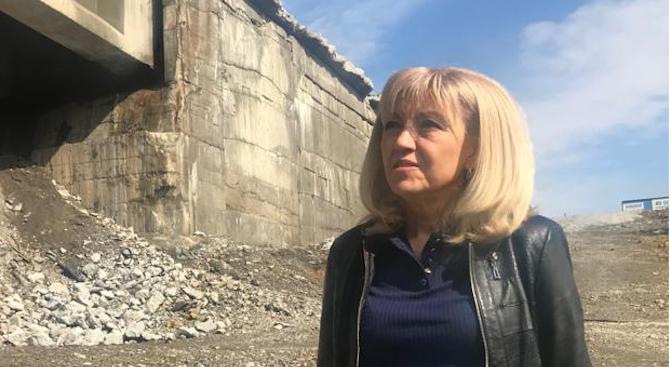 Петя Аврамова: Трябва да спрем обезлюдяването на по-малките населени места