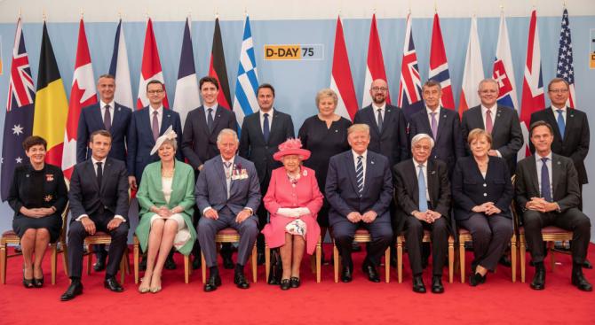 Световни лидери, сред които президентът на САЩ Доналд Тръмп, британската