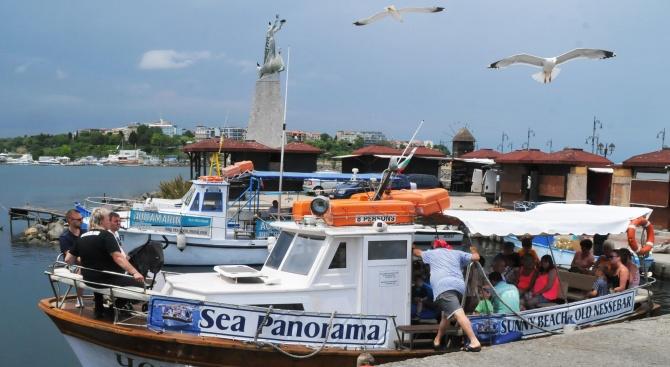 Слънчев бряг се напълни с туристи още преди началото на сезона