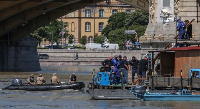 Унгарската полиция каза, че броят на загиналите при потъването на