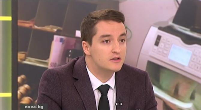 Депутат от БСП: Политиката ни е цирк - актьорите се сменят, но един и същи продава билетите