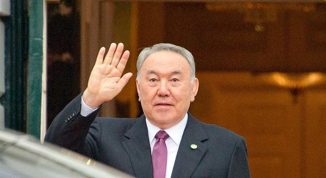 Казахстанците гласуват за пръв път на избори, в които не участва Назарбаев