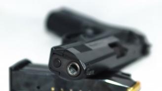 Пиян се простреля с пистолет в Деня на детето
