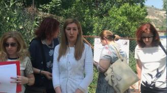 Ангелкова: Мобилни екипи инспектират всички плажове по Черноморието